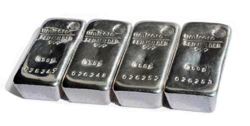 Should I Buy Silver or Gold? 5 Important Differences
